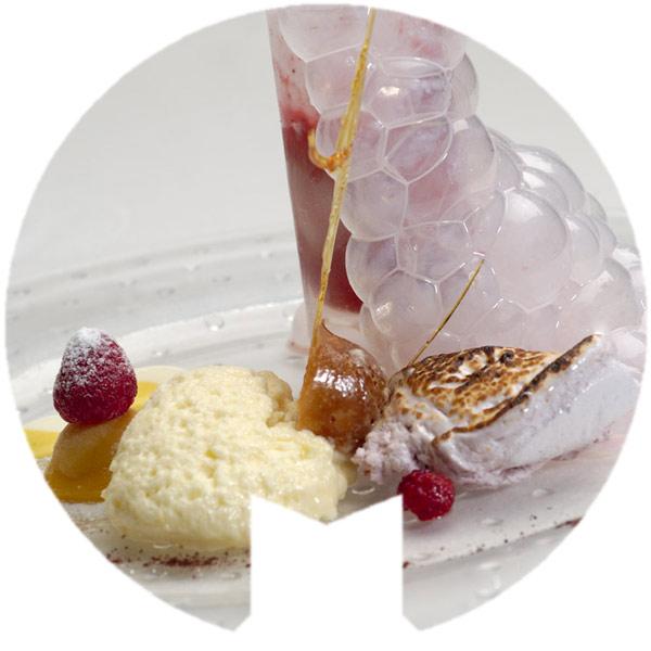 Espuma de limón y burbujas de frambuesa